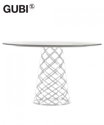 Stół Aoyama | Gubi | Design Spichlerz