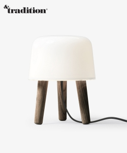 Milk Lamp NA1 nogi jesion wędzony | &Tradition | Design Spichlerz