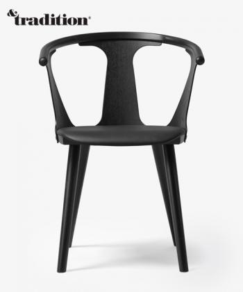 Skandynawskie krzesło drewniane ze siedziskiem skórzanym In Between Chair Skóra &tradition