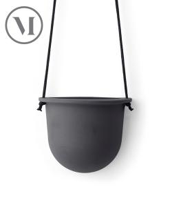 Hanging Vessel jasno-szara skandynawska doniczka wisząca | Menu
