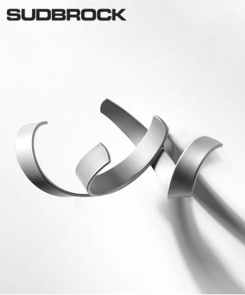 Skulpturhaken S1 aluminium designerski wieszak na ubrania | Sudbrock
