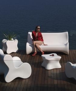 Doux sofa | Vondom | design Karim Rashid
