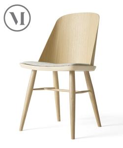 Synnes Chair Soft skandynawskie krzesło drewniane z tapicerką | Menu