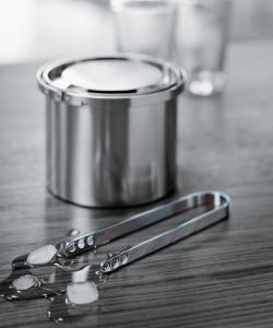 Cylinda Line szczypce do lodu | Stelton | design Arne Jacobsen
